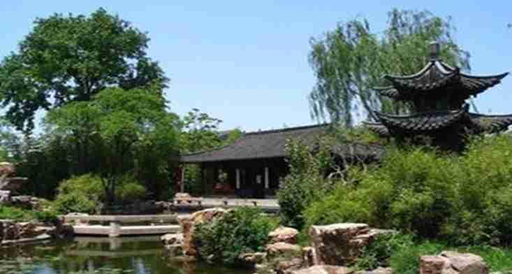 避暑山庄、北京颐和园并称中国四大名园.园内万杆修竹、...