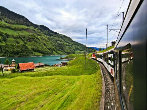 <法瑞意德12日游>4至5星,金色列车,少女峰,每人立减2000